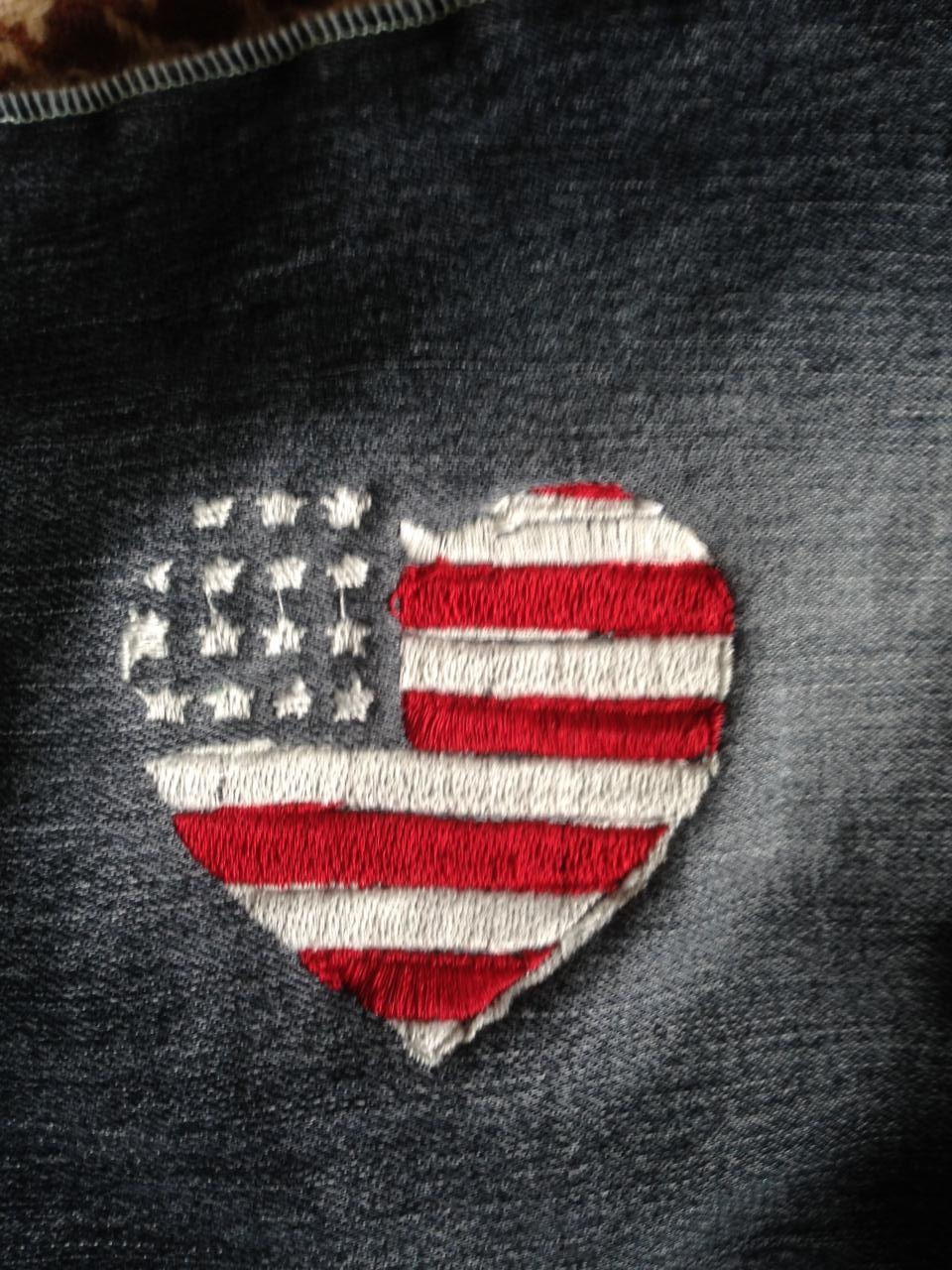 broderie d'un drapeau